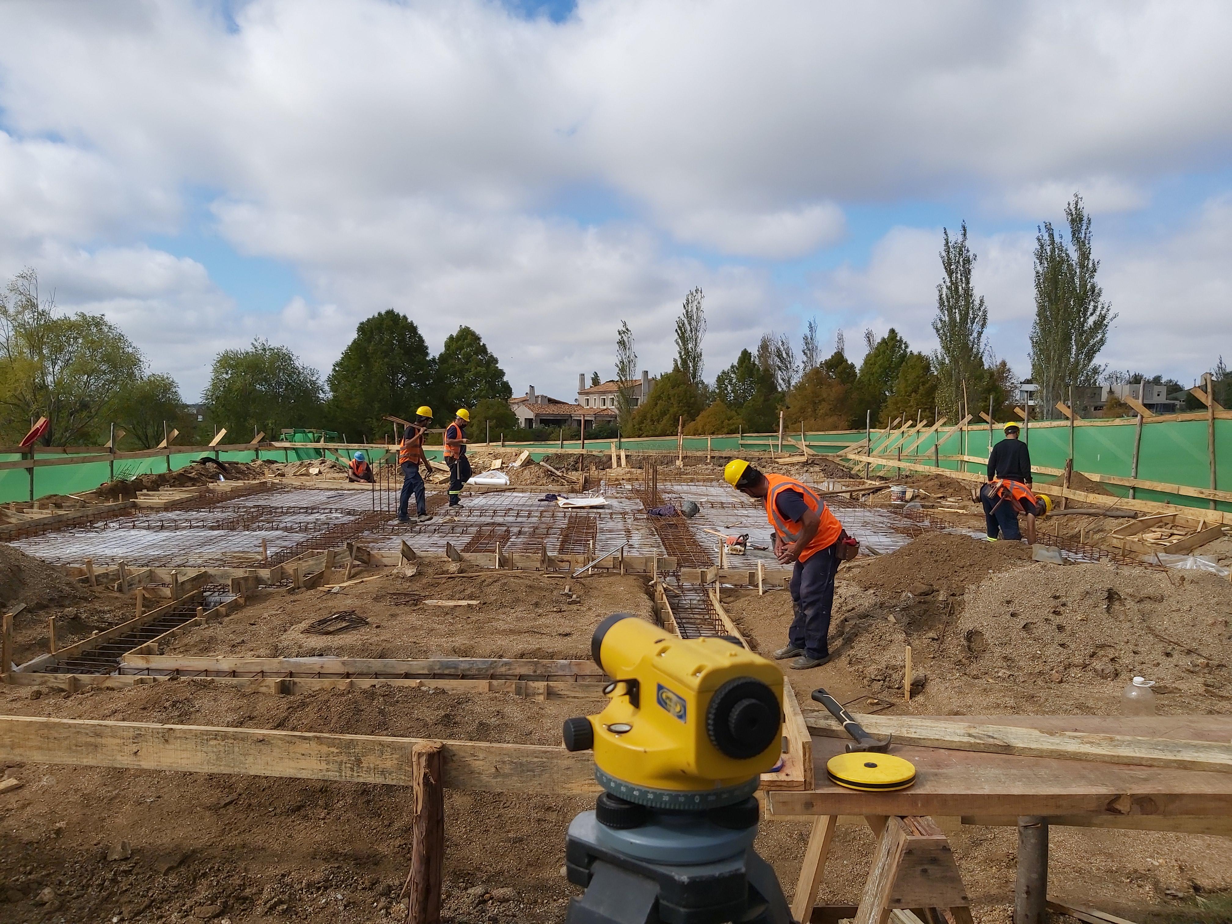 Sigue creciendo la cantidad de trabajadores en la construcción y esperan llegar a 50 mil